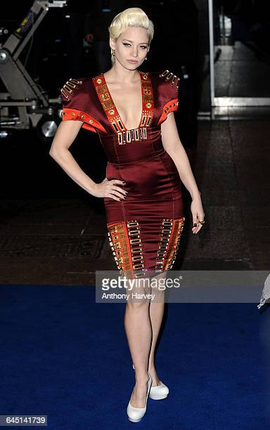 Singer Kimberley Wyatt attends the 'Avatar' Premiere at the Odeon Cinema Leicester Square on December 10 2009 in London
