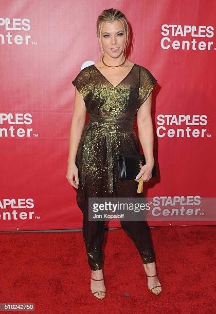 Singer Kimberly Perry of the Band Perry arrives at the 2016 MusiCares Person Of The Year Honoring Lionel Richie at Los Angeles Convention Center on...