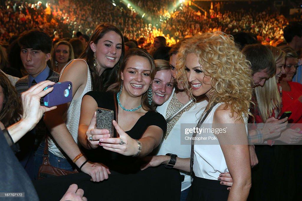 Singer Kimberly Roads Schlapman of Little Big Town attends The GRAMMY Nominations Concert Live!! held atBridgestone Arena on December 5, 2012 in Nashville, Tennessee.