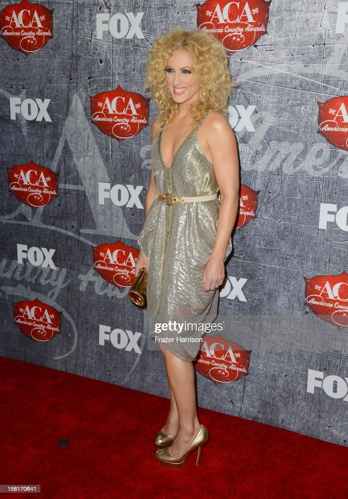 Singer Kimberly Schlapman of Little Big Town arrives at the 2012 American Country Awards at the Mandalay Bay Events Center on December 10, 2012 in Las Vegas, Nevada.