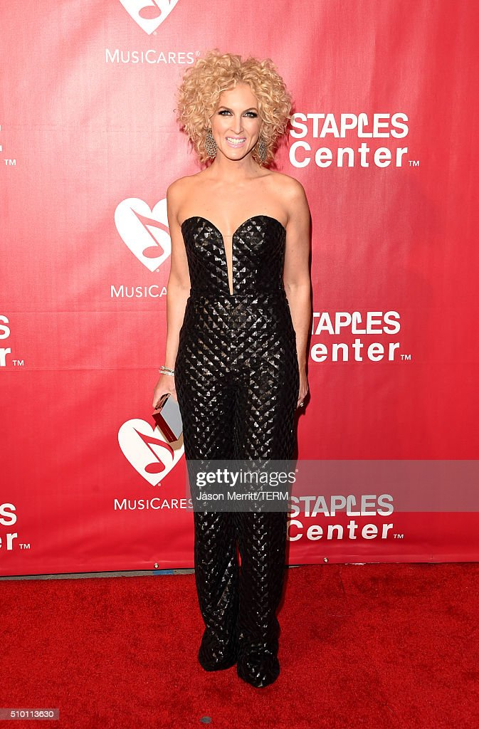Singer Kimberly Schlapman of Little Big Town attends the 2016 MusiCares Person of the Year honoring Lionel Richie at the Los Angeles Convention Center on February 13, 2016 in Los Angeles, California.