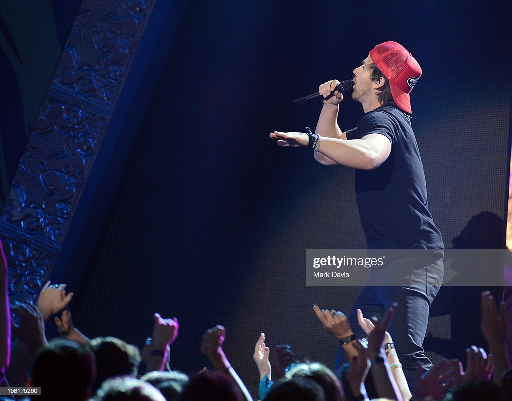 Singer Kip Moore performs onstage during the 2012 American Country Awards at the Mandalay Bay Events Center on December 10, 2012 in Las Vegas, Nevada.