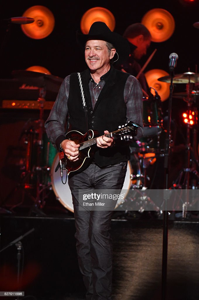 Singer <a gi-track='captionPersonalityLinkClicked' href=/galleries/search?phrase=Kix+Brooks&family=editorial&specificpeople=206811 ng-click='$event.stopPropagation()'>Kix Brooks</a> of Brooks & Dunn performs onstage during the 2016 American Country Countdown Awards at The Forum on May 1, 2016 in Inglewood, California.