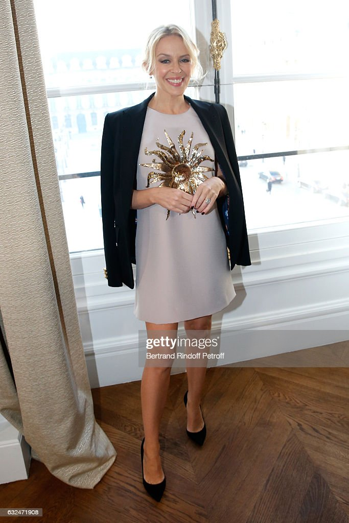 singer-kylie-minogue-attends-the-schiaparelli-haute-couture-spring-picture-id632471908
