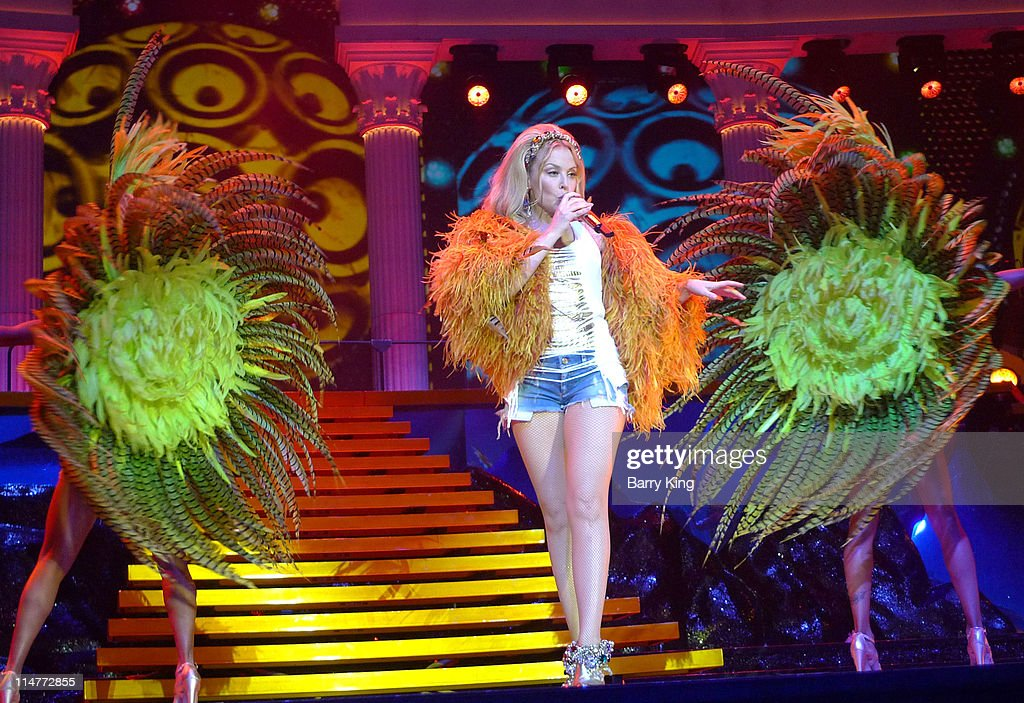 Kylie Minogue Aphrodite Tour Kylie Minogue In Conce...