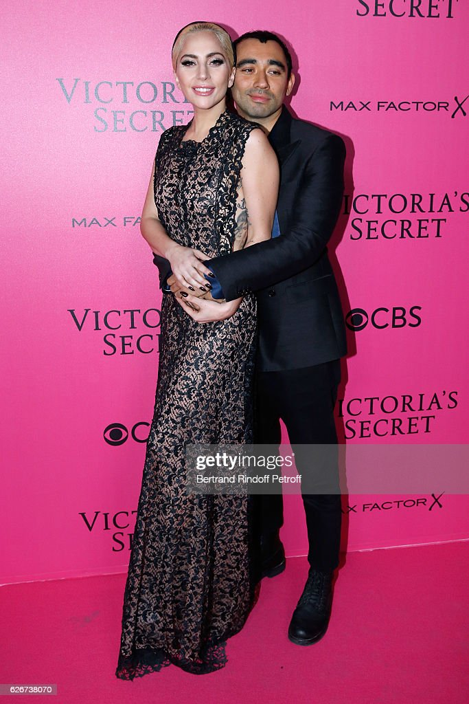 singer-lady-gaga-and-nicola-formichetti-attend-the-2016-victorias-picture-id626738070