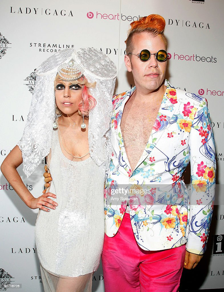 Singer Lady Gaga (L) and Perez Hilton (R) attend Lady Gaga's VMA after party at Avenue on September 13, 2009 in New York City.