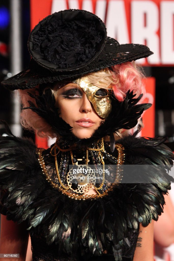 Singer <a gi-track='captionPersonalityLinkClicked' href=/galleries/search?phrase=Lady+Gaga&family=editorial&specificpeople=4456754 ng-click='$event.stopPropagation()'>Lady Gaga</a> arrives at the 2009 MTV Video Music Awards at Radio City Music Hall on September 13, 2009 in New York City.