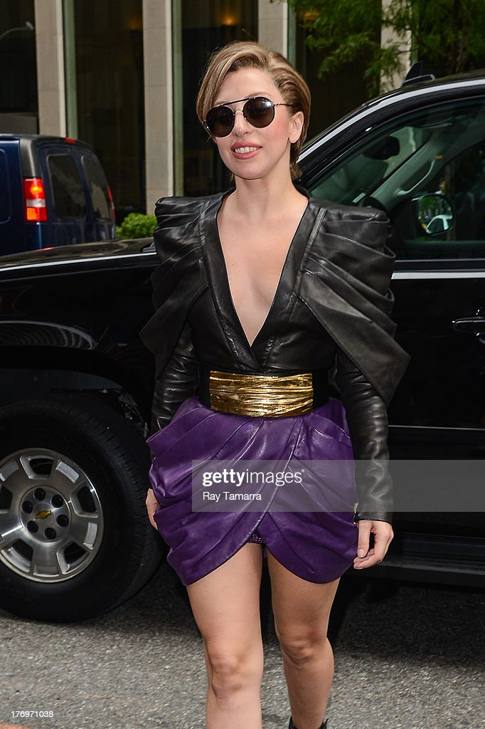 Singer <a gi-track='captionPersonalityLinkClicked' href=/galleries/search?phrase=Lady+Gaga&family=editorial&specificpeople=4456754 ng-click='$event.stopPropagation()'>Lady Gaga</a> enters the Sirius XM Studios on August 19, 2013 in New York City.