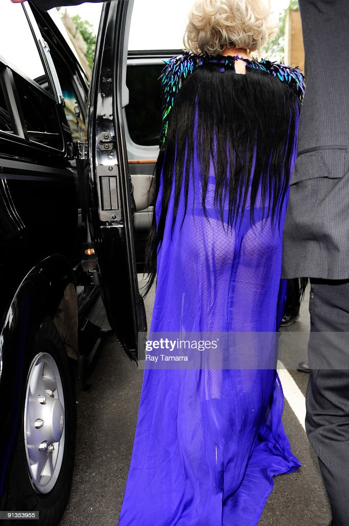 Singer <a gi-track='captionPersonalityLinkClicked' href=/galleries/search?phrase=Lady+Gaga&family=editorial&specificpeople=4456754 ng-click='$event.stopPropagation()'>Lady Gaga</a> leaves the Pierre Hotel on October 02, 2009 in New York City.