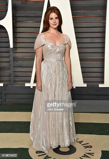 Singer Lana Del Rey arrives at the 2016 Vanity Fair Oscar Party Hosted By Graydon Carter at Wallis Annenberg Center for the Performing Arts on...