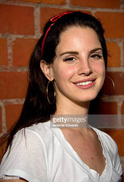del rey asian single men Headline what guys in the industry has lana del rey actually slept with lana del rey has hinted at getting up close and physical with men in the record industry.