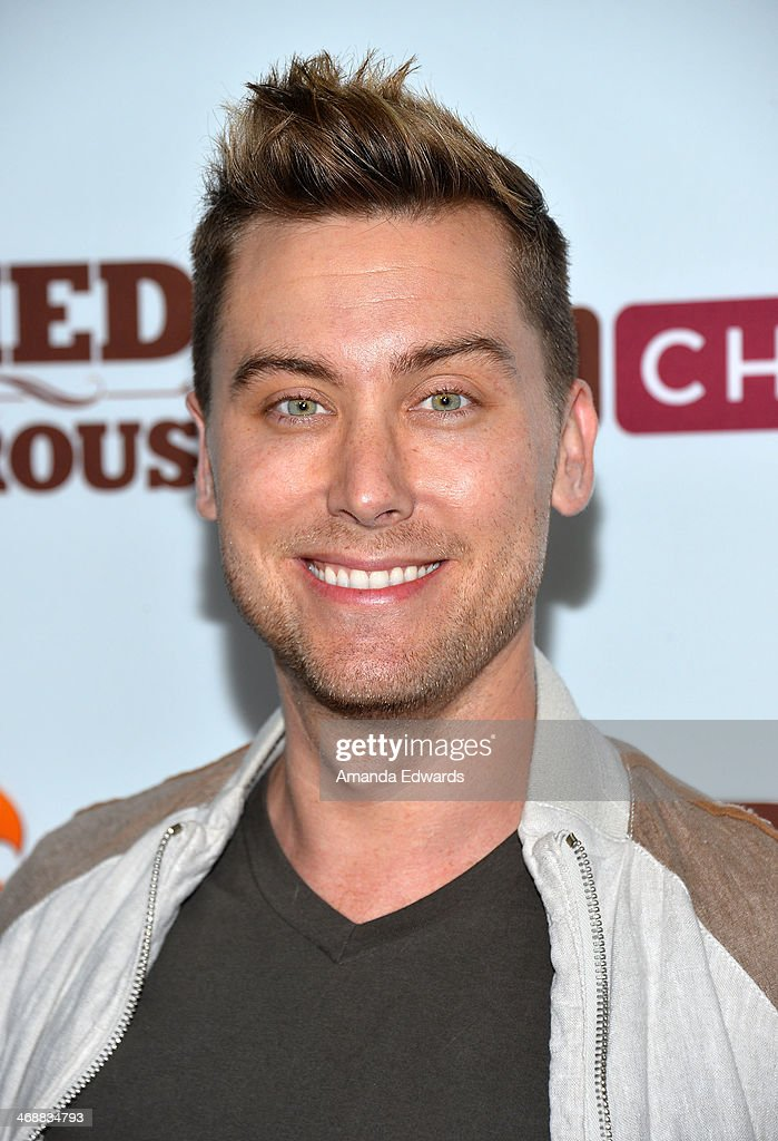 Singer <a gi-track='captionPersonalityLinkClicked' href=/galleries/search?phrase=Lance+Bass&family=editorial&specificpeople=210566 ng-click='$event.stopPropagation()'>Lance Bass</a> arrives at the Chipotle World Premiere of web series 'Farmed And Dangerous' at the DGA Theater on February 11, 2014 in Los Angeles, California.