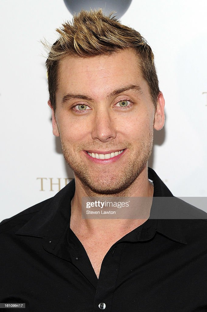 Singer <a gi-track='captionPersonalityLinkClicked' href=/galleries/search?phrase=Lance+Bass&family=editorial&specificpeople=210566 ng-click='$event.stopPropagation()'>Lance Bass</a> arrives at the HSN Live Michael Bolton concert at The Venetian Resort Hotel Casino on February 8, 2013 in Las Vegas, Nevada.