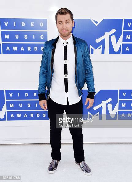 singer-lance-bass-attends-the-2016-mtv-video-music-awards-at-madison-picture-id597191786