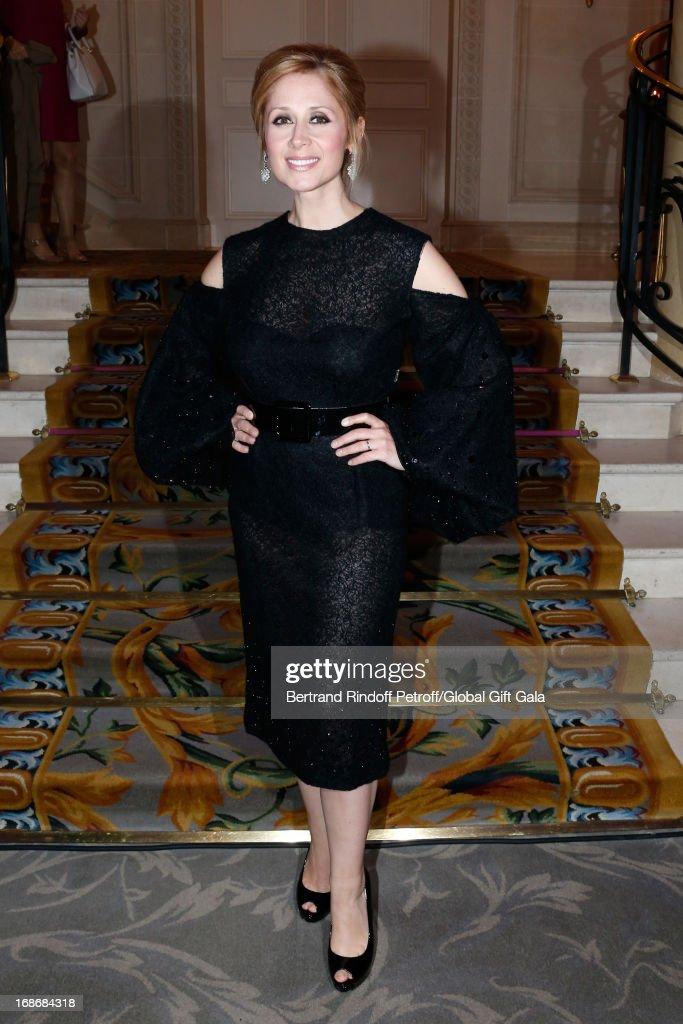 Eva Longoria Presents 'Global Gift Gala' 2013 - Cocktail