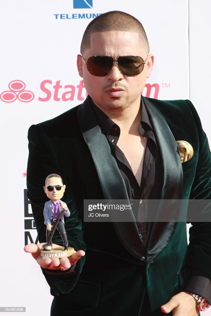 Singer <a gi-track='captionPersonalityLinkClicked' href=/galleries/search?phrase=Larry+Hernandez&family=editorial&specificpeople=6918528 ng-click='$event.stopPropagation()'>Larry Hernandez</a> attends the 2012 Billboard Mexican Music Awards at The Shrine Auditorium on October 18, 2012 in Los Angeles, California.
