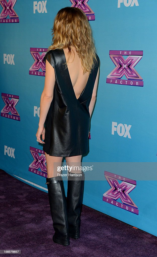 Singer LeAnn Rimes arrives at Fox's 'The X Factor' Season Finale Night 1 at CBS Television City on December 19, 2012 in Los Angeles, California.