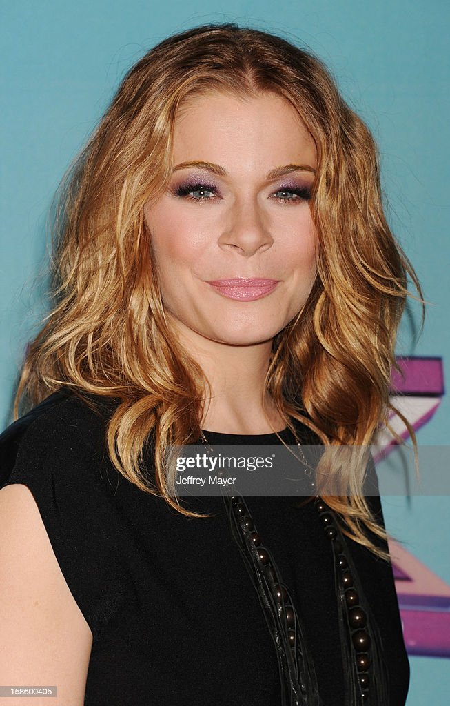 Singer <a gi-track='captionPersonalityLinkClicked' href=/galleries/search?phrase=LeAnn+Rimes&family=editorial&specificpeople=208815 ng-click='$event.stopPropagation()'>LeAnn Rimes</a> arrives at Fox's 'The X Factor' Season Finale Night 1 at CBS Television City at CBS Studios on December 19, 2012 in Los Angeles, California.