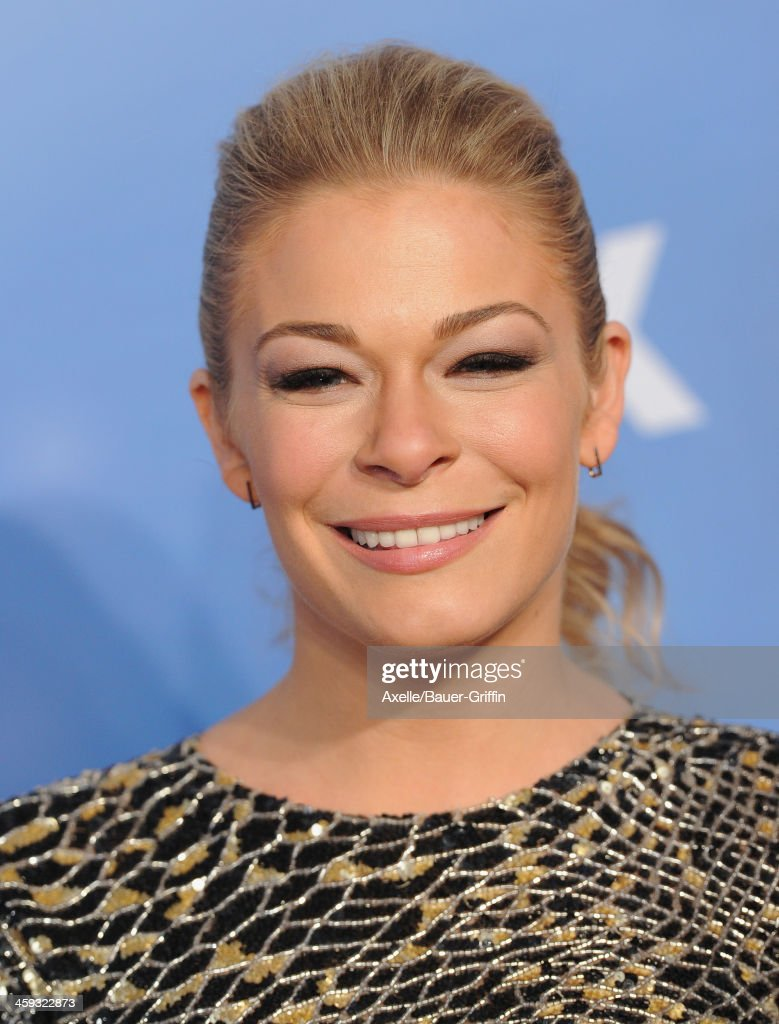 Singer <a gi-track='captionPersonalityLinkClicked' href=/galleries/search?phrase=LeAnn+Rimes&family=editorial&specificpeople=208815 ng-click='$event.stopPropagation()'>LeAnn Rimes</a> arrives at the American Country Awards 2013 at the Mandalay Bay Events Center on December 10, 2013 in Las Vegas, Nevada.