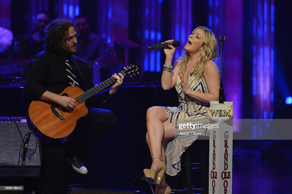 Singer <a gi-track='captionPersonalityLinkClicked' href=/galleries/search?phrase=LeAnn+Rimes&family=editorial&specificpeople=208815 ng-click='$event.stopPropagation()'>LeAnn Rimes</a> performs during the 5th annual Opry Goes Pink show at The Grand Ole Opry on October 22, 2013 in Nashville, Tennessee.
