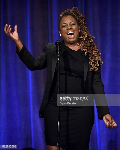 Singer Ledisi performs on stage at the Food Bank Of New York City's Can Do Awards 2016 hosted by Mario Batali at Cipriani Wall Street on April 20...