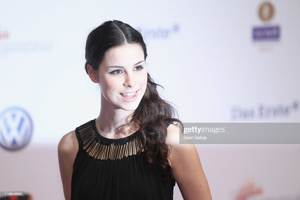 Singer <a gi-track='captionPersonalityLinkClicked' href=/galleries/search?phrase=Lena+Meyer-Landrut+-+German+Singer&family=editorial&specificpeople=6837968 ng-click='$event.stopPropagation()'>Lena Meyer-Landrut</a> arrives for the Echo Awards 2011 at Palais am Funkturm on March 24, 2011 in Berlin, Germany.
