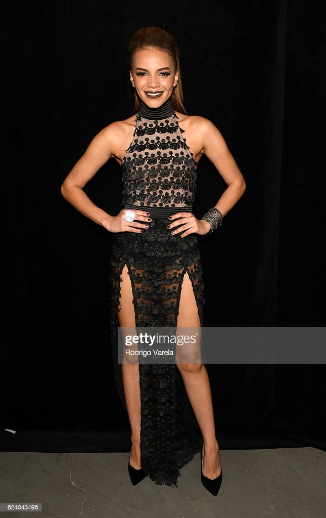 Singer Leslie Grace attends The 17th Annual Latin Grammy Awards at T-Mobile Arena on November 17, 2016 in Las Vegas, Nevada.