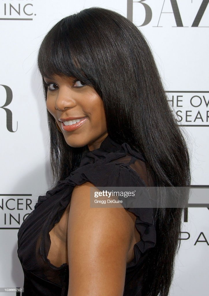 Singer LeToya Luckett arrives at 'A Night Of Hope' presented by L'Oreal Paris in celebration with Harper's Bazaar to benefit The Ovarian Cancer Research Fund at Murano on November 7, 2007 in Los Angeles, California.