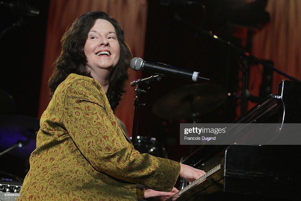 Singer Linda Gail Lewis performs at the 'Les Legendes Du Rock and Roll' concert at the Zenith on November 14, 2008 in Paris, France.