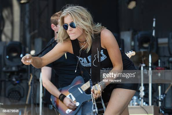 Lindsay ell watershed music festival by mat hayward people lindsay ell