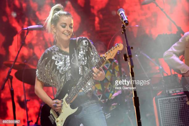 Singer Lindsay Ell performs onstage during the Nashville Disco Party Benefiting Alzheimer's Association on June 4 2017 in Nashville Tennessee