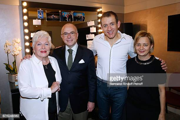 Singer Line Renaud Interior Minister of France Bernard Cazeneuve humorist Dany Boon and Veronique Cazeneuve pose Backstage after the 'Dany De Boon...
