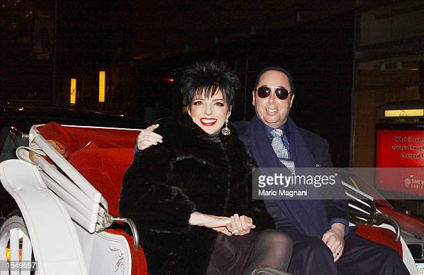 Singer Liza Minnelli and her husband David Gest take a carriage ride to Tower Records for an instore appearance to promote her new CD 'Liza's Back'...