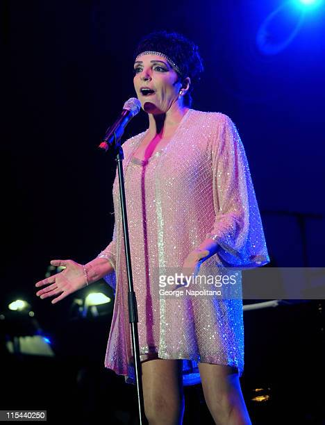 Singer Liza Minnelli performs during the 30th annual Seaside summer concert series at Asser Levy Park on August 7 2008 in the Brooklyn borough of New...
