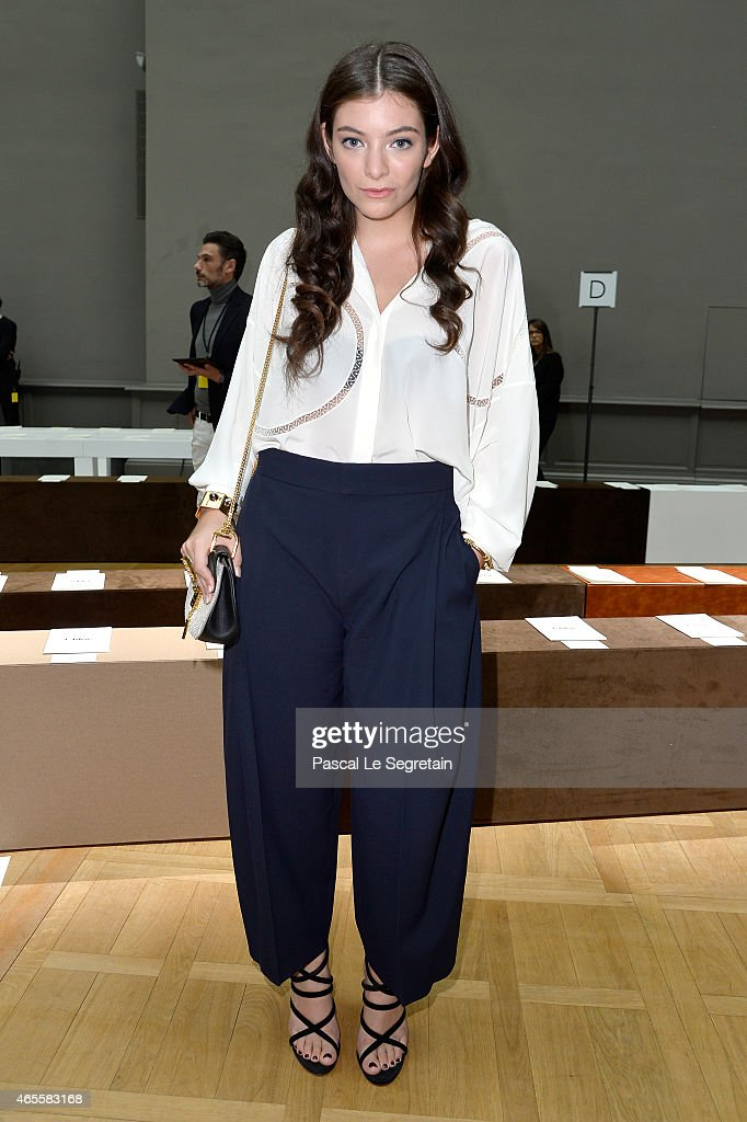 Singer <a gi-track='captionPersonalityLinkClicked' href=/galleries/search?phrase=Lorde&family=editorial&specificpeople=3209104 ng-click='$event.stopPropagation()'>Lorde</a> attends the Chloe show as part of the Paris Fashion Week Womenswear Fall/Winter 2015/2016 on March 8, 2015 in Paris, France.