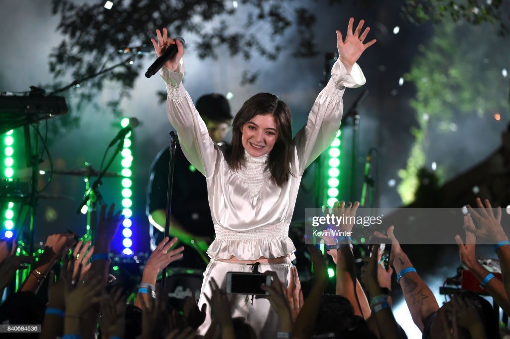 Singer Lorde performs during the iHeartRadio Secret Sessions by AT&T at the magical Houdini Estate on August 29, 2017 in Los Angeles, California.