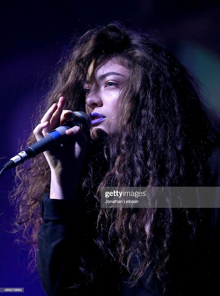 Singer <a gi-track='captionPersonalityLinkClicked' href=/galleries/search?phrase=Lorde&family=editorial&specificpeople=3209104 ng-click='$event.stopPropagation()'>Lorde</a> performs onstage during Universal Music Group Showcase '14 on January 25, 2014 in Los Angeles, California.