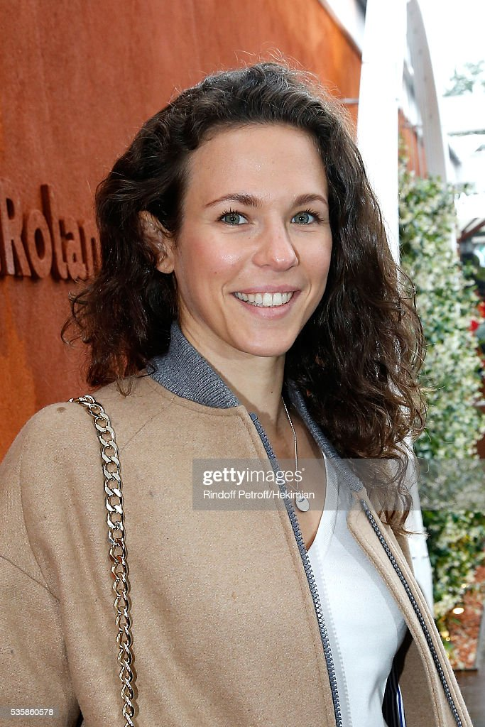 Singer Lorie Pester attends Day Nine of the 2016 French Tennis Open at Roland Garros on May 30, 2016 in Paris, France.