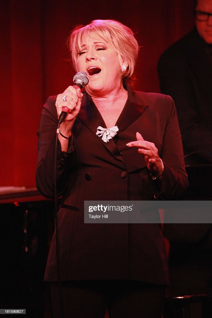 Singer Lorna Luft Performs During 39 Lorna 39 S Living Room 39 Before Ji