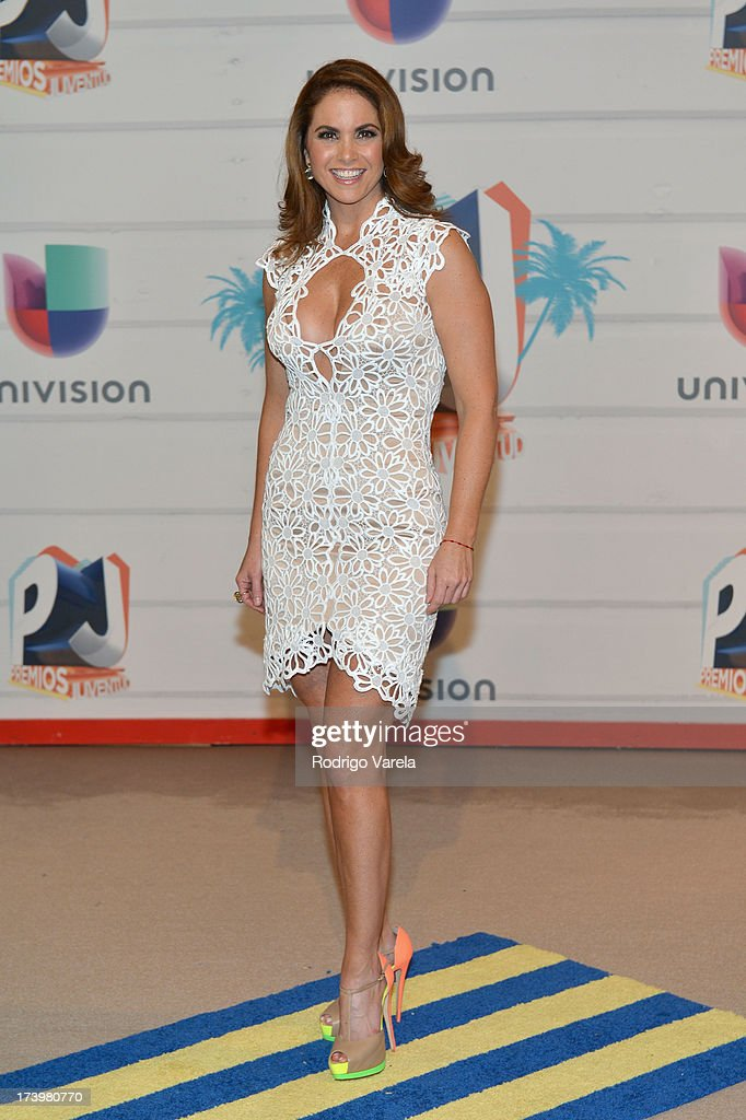 Singer <a gi-track='captionPersonalityLinkClicked' href=/galleries/search?phrase=Lucero&family=editorial&specificpeople=4680283 ng-click='$event.stopPropagation()'>Lucero</a> attends the Premios Juventud 2013 at Bank United Center on July 18, 2013 in Miami, Florida.