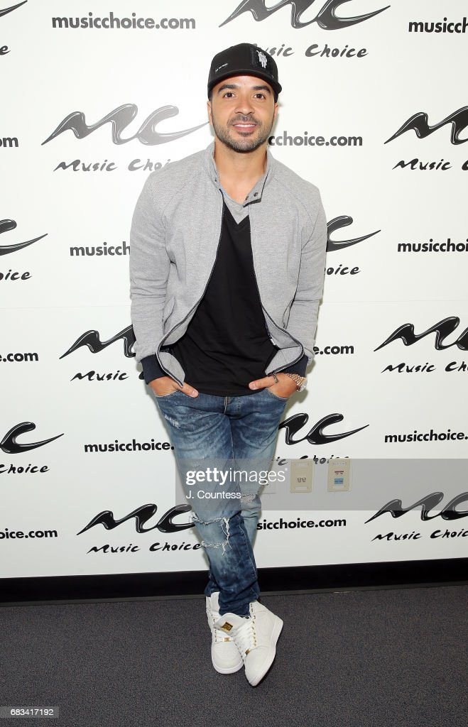 Luis Fonsi Visits Music Choice