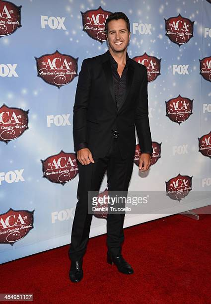 Singer Luke Bryan arrives at the American Country Awards 2013 at the Mandalay Bay Events Center on December 10 2013 in Las Vegas Nevada