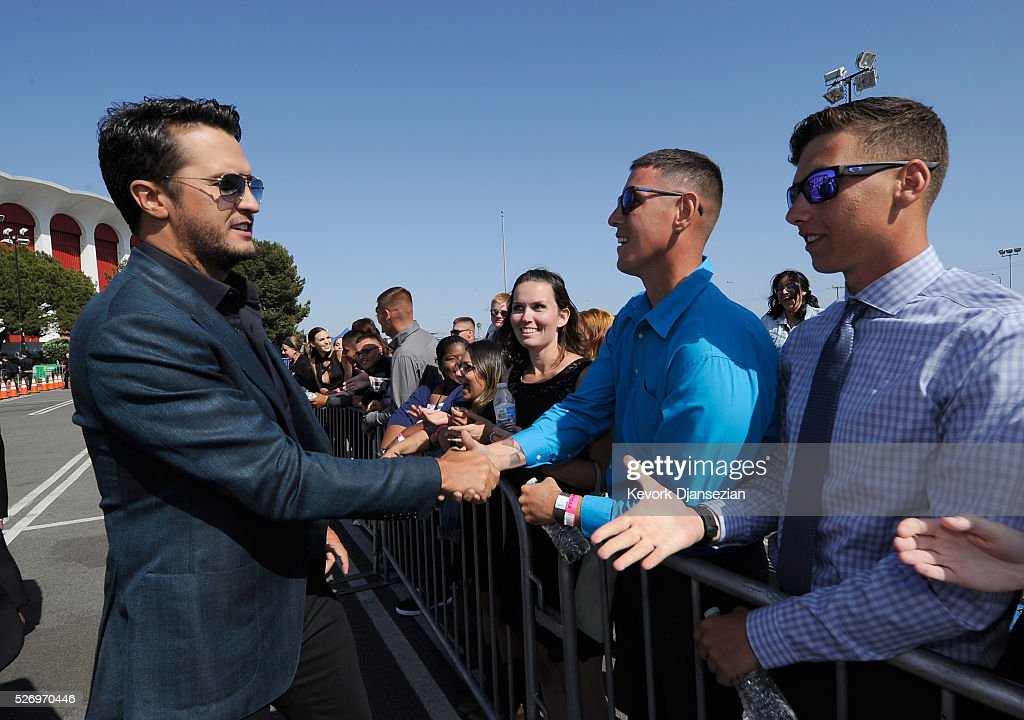 Singer Luke Bryan attends the 2016 American Country Countdown Awards at The Forum on May 1, 2016 in Inglewood, California.