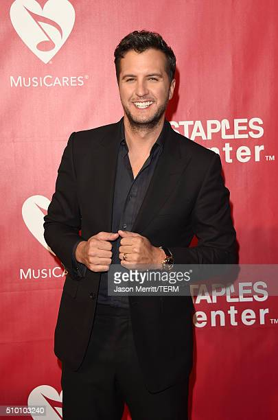 Singer Luke Bryan attends the 2016 MusiCares Person of the Year honoring Lionel Richie at the Los Angeles Convention Center on February 13 2016 in...