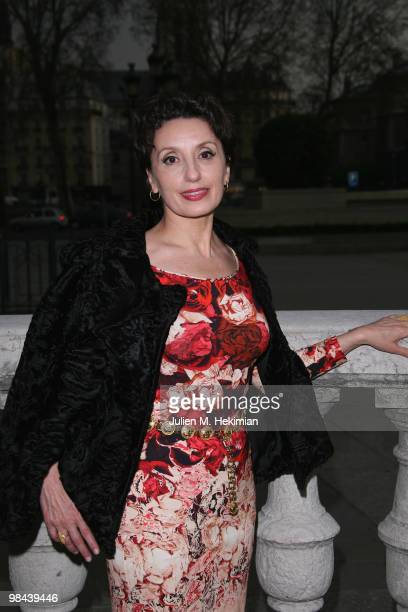 Singer Luz Casal poses after being decorated with the 'Honor medal of the city of Paris' by Bertrand Delanoe at Hotel de Ville on April 13 2010 in...