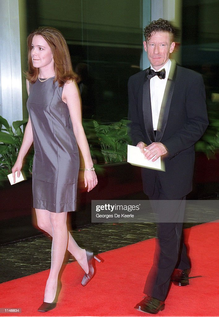 Singer Lyle Lovett and his wife April Kimble arrive for the 1998 Kennedy Center Honors December 5, 1998 in Washington, DC. Each year the Kennedy Center Honors celebrate the lifetime achievements of America's greatest performing artists with a star-studded evening of song, dance, and tribute.