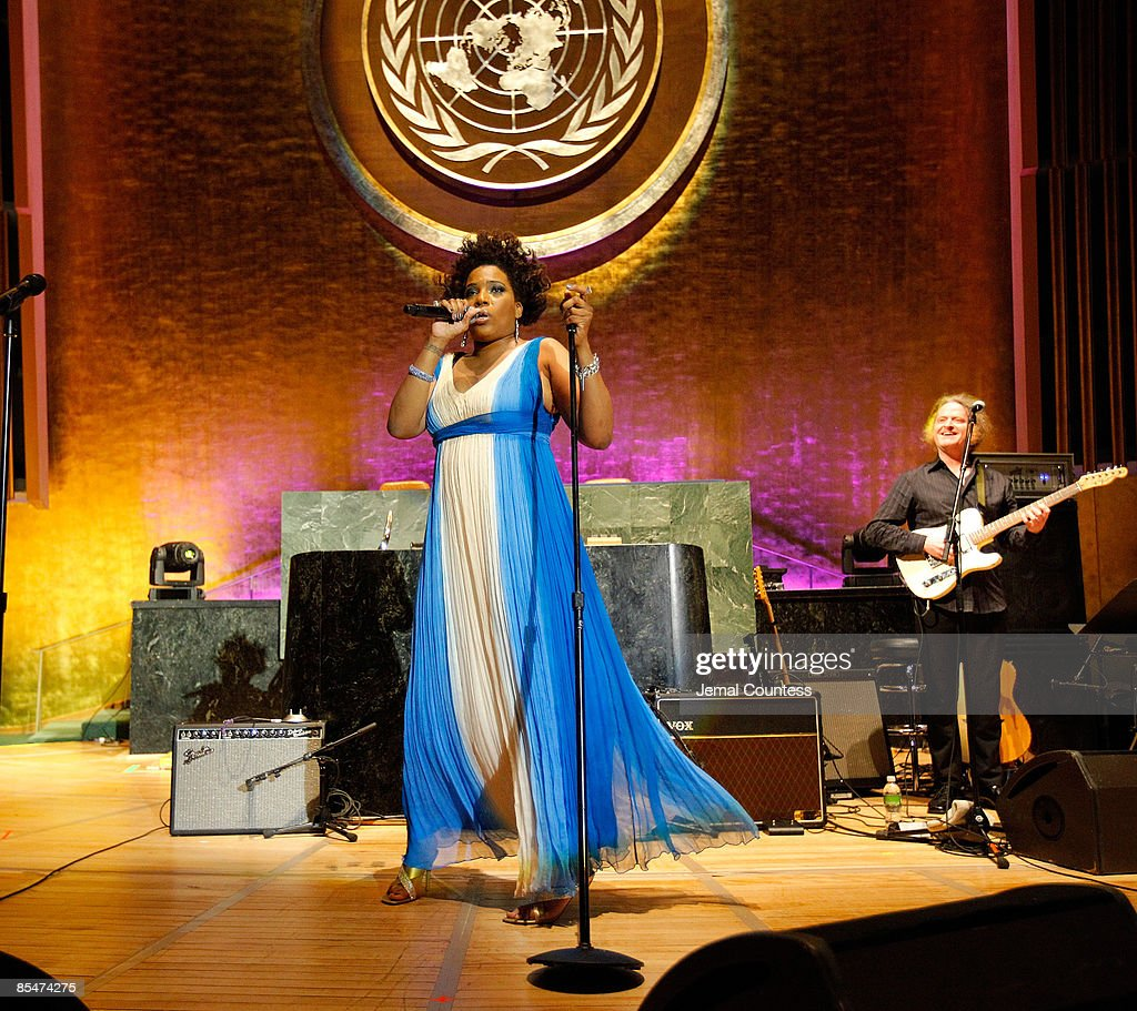 Singer Macy Grey performs at the 2009 Millennium Development Goals awards concert at United Nations on March 17, 2009 in New York City.