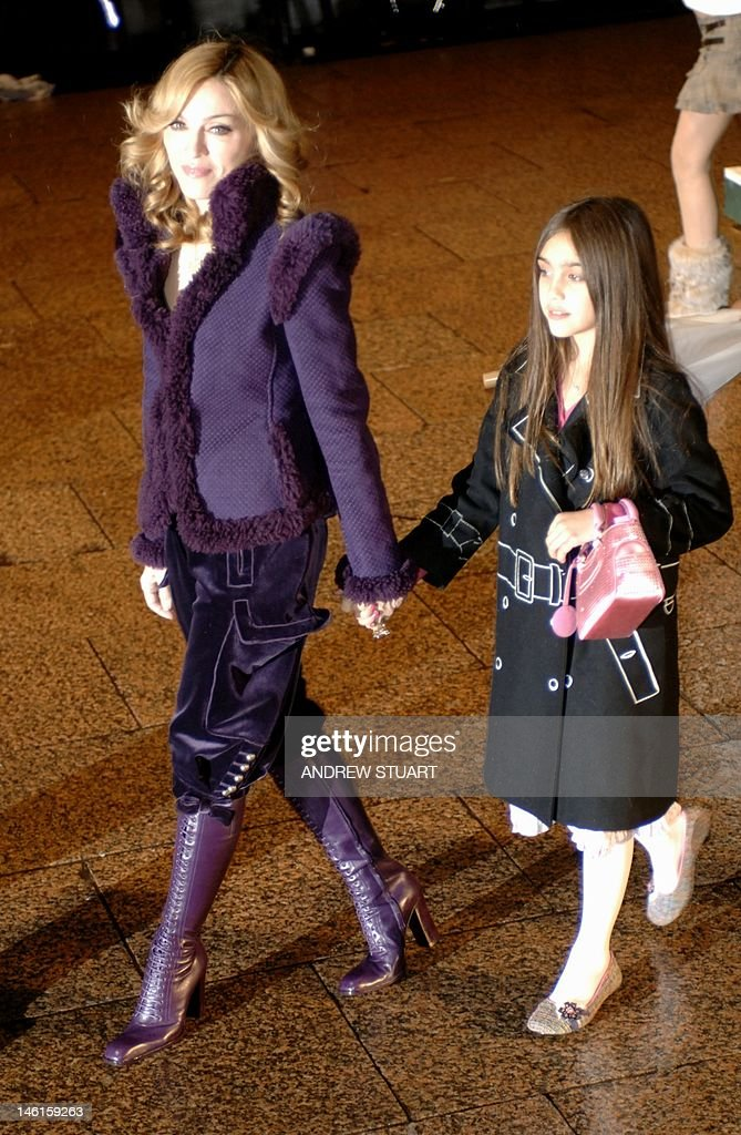 US singer Madonna and her daughter Lourdes arrive at the world premiere of 'Harry Potter and the Goblet of Fire' 06 November 2005, at the Odeon Leicester Square in London. About 5,000 fans young and old -- many of whom arrived in London's Leicester Square early Saturday night -- clamoured to catch a glimpse of their heroes as they arrived for the first showing of 'Harry Potter and the Goblet of Fire'.