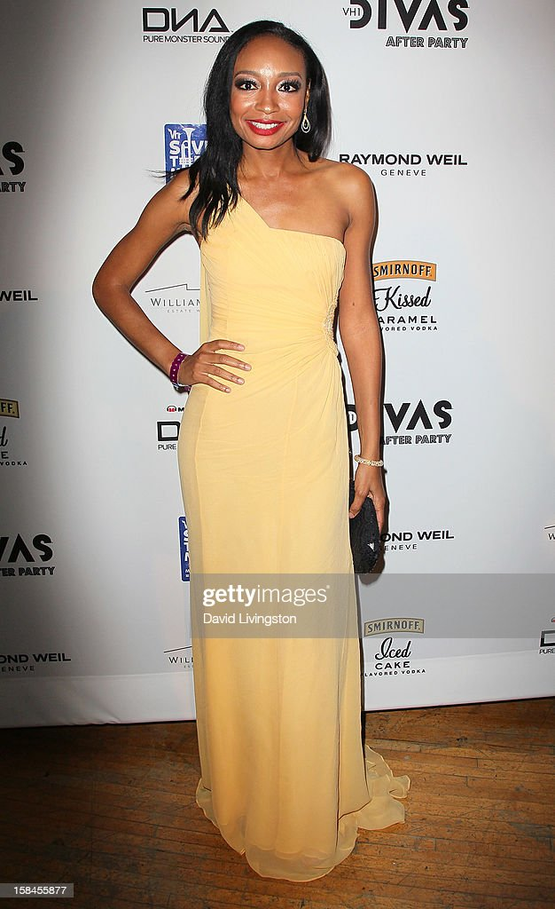 Singer Malina Moye attends the VH1 Divas After Party to benefit the VH1 Save The Music Foundation at the Shrine Expo Hall on December 16, 2012 in Los Angeles, California.